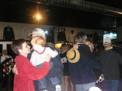 The Do's & Don'ts Slow Dancing at Bobbers Grill